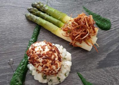 Episode 12 – Domaine de la Tortiniere, Chateau Hotel- Tourangelle asparagus, fried onion, boiled egg and parsley coulis