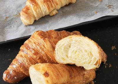 Episode 16 – Meeting the French – Croissants